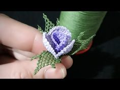 Gonca rose& pipe and leaf construction video 2 Knitting Socks, Free Knitting, Knitting Patterns, How To Pipe Roses, Crochet Unique, Knit Shoes, Needle Lace, Irish Crochet, Craft Work