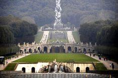 Giardini della Reggia di Caserta #Campania #Caserta http://www.viaggiaescopri.it/caserta-nobili-natali-e-antichi-borghi-medievali/