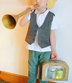 How to make a DIY BFG costume for World Book Day - felt ears, a trumpet and dream jars. Kids Book Character Costumes, Book Characters Dress Up, Book Character Day, Character Dress Up, Book Costumes, World Book Day Costumes, Teacher Costumes, Book Week Costume, Costume Ideas
