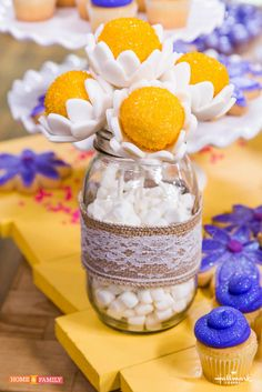 Celebrate Mom by creating a Daisy Bouquet of Cake Pops! Catch #homeandfamily weekdays at 10/9c on Hallmark Channel!