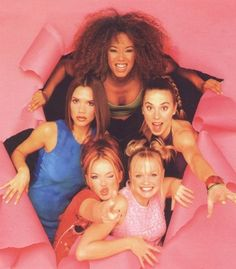 The Spice Girls. I was soooo crazy about them ! My fave was Victoria ahaha ! Spice Girls, Mtv, Viva Forever, Baby Spice, Geri Halliwell, Indie, 90s Aesthetic, Angel Aesthetic, 90s Nostalgia