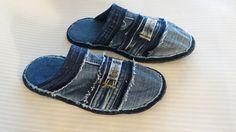 Handgemachte Recycling Denim Jeans Schuhe, Pantoffeln, Slipper, Hausschuhe Größe 39 Diese Schuhe sind aus alten Jeans handgefertigt. Sie sind sehr bequem und leicht. Jedes Paar Jeans-Schuhe ist... Denim Shoes, Shoes With Jeans, Denim Jeans, Jeans Recycling, Denim Crafts, Recycled Denim, Ciabatta, Birkenstock, Gift Tags