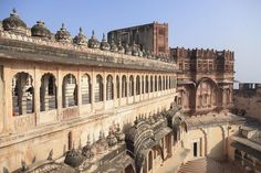 """10 Top Places to Visit in the """"Blue City"""" of Jaipur: Mehrangarh Fort"""