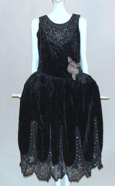 EXQUISITE 1920'S VELVET & DIAMANTE RHINESTONE FLAPPER DRESS W PANNIER SIDES