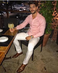 35 Essential Men Shirt Ideas for Your Summer Day is part of Mens fashion - The raglan style must be among the very best retro looks out there in regards to summer shirts for men […] Formal Men Outfit, Look Man, Mens Fashion Suits, Men's Fashion, Fashion Guide, Fashion Sale, Fashion Outlet, Paris Fashion, Runway Fashion