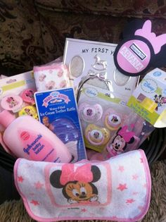 Minnie Mouse Welcome Baby Set