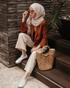 Pin by dina hesham on in 2019 hijab fashion hijab outfit. Modest Dresses, Modest Outfits, Summer Outfits, Muslim Fashion, Modest Fashion, Fashion Outfits, Islamic Fashion, Casual Hijab Outfit, Casual Outfits