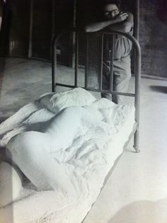George Segal 1974 George Segal, Pop Art Movement, A Level Art, Sleep Tight, Artist At Work, Art Photography, Ceramics, Artists, Contemporary