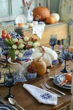 Blue and white autumn table