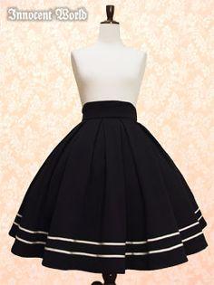 Innocent World 裾ラインタックフレアースカート