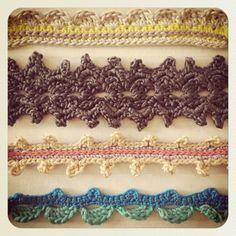 Crochet bracelets – new instructions – Madame tinkers - Diy Handwork Crochet Borders, Crochet Stitches, Crochet Patterns, Learn To Crochet, Diy Crochet, Arm Crocheting, Mens Gold Jewelry, Diy Accessoires, Crochet Bracelet