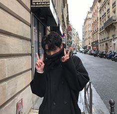 cute boy ulzzang 얼짱 hot fit pretty kawaii adorable beautiful korean handsome japanese asian soft grunge aesthetic 男 男の子 g e o r g i a n a : 人 Korean Boys Hot, Korean Boys Ulzzang, Ulzzang Boy, Korean Men, Korean Girl, Cute Asian Guys, Asian Boys, Asian Men, Cute Guys