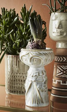 Vase Lady