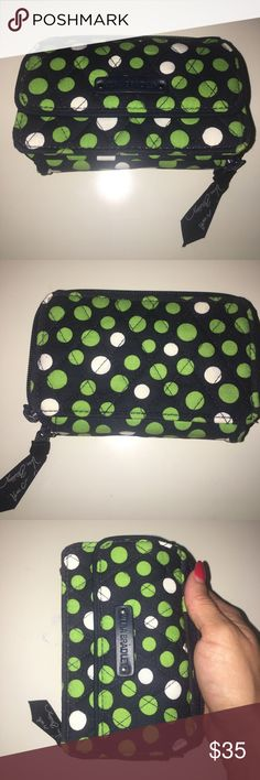 Vera Bradley wallet In new condition no defects or stains meduim size wallet Vera Bradley Bags Wallets