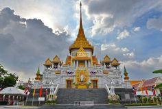 https://flic.kr/p/FzAEM7 | Wat Traimit  Bangkok | Wat Traimit  temple at Bangkok, Thailand, Asia.  available on #getty in few day here : www.gettyimages.co.uk/detail/photo/wat-traimit-buddhist-t...   Check it out my Portfolio:  GETTY IMAGES Maybe you like this: /  Facebook  /  Twitter / Google+ /  Blogspot  /  Pinterest  /  Tumblr /  Instagram /  Linkedin / www.vincent-jary.fr   © Vincent Jary