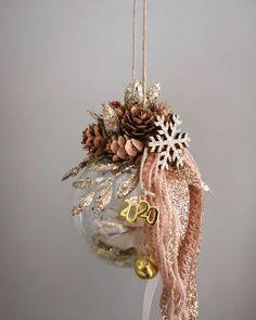 "@elusive_line ""Christmas mood... 🌲🌲🌲 . . . . . . #γουράκια #γουρια #γουρια2020 #γουρι #γούρι #γούρια…"" Christmas Ideas, Christmas Wreaths, Christmas Crafts, Christmas Decorations, Holiday Decor, Favors, Baby, Gifts, Xmas"
