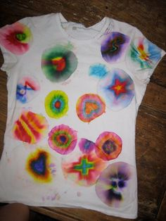 Sharpie Pin Tie Dye shirts. I want to do these with the kids :)