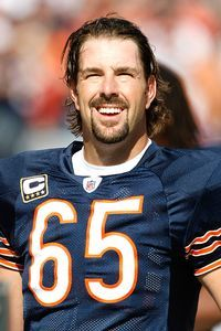 Long Snapper - Pat Mannelly - Despite playing games as a Bear, Patrick Mannelly can walk relatively unnoticed in Chicago. Mannelly has been the Bears long-snapper since Nfl Football Players, Bears Football, William Perry, Nfl Championships, Nfl Chicago Bears, Football Hall Of Fame, Football Conference, National Football League, Espn