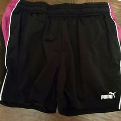 PUMA SHORTS black w/ pink Pockets Logo on side White piping Like New Condition Puma Shorts