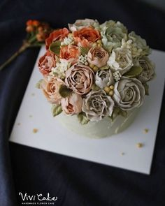 Buttercream flower class Made by_students . . 수업상담 Kakao Id : koreaflower02 Line Id : vivicake02 Wechat Id : vivicake_korea . . 블로그 주소 : www.vivi-cake.com . . vivicakeclass@gmail.com . . .  #flowercake #design #cake #flowercakeclass #cakeclass #flowers  #koreaflowercake #koreanflowercake #piping #rice #riceflowercake #wilton #wiltoncake #koreanbuttercream #flowers #baking #beanpaste #beanpasteflower #플라워케이크 #베이킹 #작약 #버터크림플라워케이크 #버터크림케이크 #플라워케이크클래스 #클래스