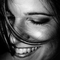 Ce faci când dragostea nu te-ntreabă? – Life Bites | Catchy