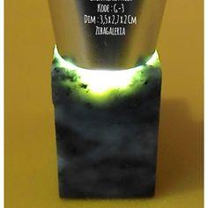 Batu Permata Giok Aceh Asli  Dims : 3,5 x 2,7 x 2 Cm Crystal System : Monoclinic Colour : Light to Dark Form/Habit : Massive Hardness : 6,5 to 7,5 MoHs Lustre : Dull to Waxy Streak : White Origin : Aceh  Harga diatas adalah harga nett. Ongkir Ditanggung Pembeli. Spesimen Batu Giok Nefrit Aceh ini dapat anda jadikan dua permata ukuran jumbo atau empat ukuran sedang untuk keluarga, teman dan orang yang dicintai.  Investasikan nilai rupiah anda yang terus merosot ke dalam batu permata giok aceh…