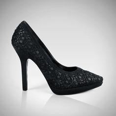 #zapatillas #encaje #glamour #elegancia #detalles #priceshoes #lamodamasdeseada #vivelamoda    Pídelas aquí ► http://tiendaenlinea.priceshoes.com/