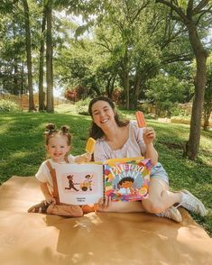 A vibrant picture book celebrating the strength of community and the tastes of summer from Latin Grammy-winning musician Lucky Diaz and celebrated artist Micah Player. Full of musicality, generosity, kindness, and ice pops, this book is sure to satisfy fans of Thank You, Omu! and Carmela Full of Wishes. 📸 @bonniemonnier
