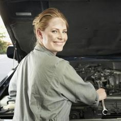 An oil change at a shop could set you back as much as 46but doing an oil change at a shop could set you back as much as 46but doing it yourself isnt all that hard and costs a lot less heres how to do your ow solutioingenieria Images