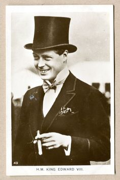 Uncle of Queen Elizabeth II - Edward Albert Christian George Andrew Patrick David, HRH Prince of Wales, later Edward VIII (abdicated).then was known as The Duke of Windsor. Edward Viii, Edward Albert, Royal Monarchy, British Monarchy, Royal Prince, Prince Of Wales, Prince Harry, Adele, Edward Windsor