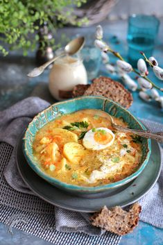 Zupa chlebowa z chrzanem - Zen w kuchni Salty Foods, Cheeseburger Chowder, Ramen, Soup Recipes, Catering, Curry, Food And Drink, Lunch, Eat