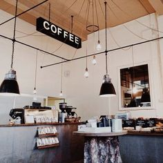 Coffee Shop Lighting Tips for your Home. Learn how to light your home like a trendy coffee shop. Design Café, Cafe Design, Restaurant Design, Restaurant Bar, Deco Cafe, Coffee Places, Coffee Shop Design, Cafe Style, Cafe Shop