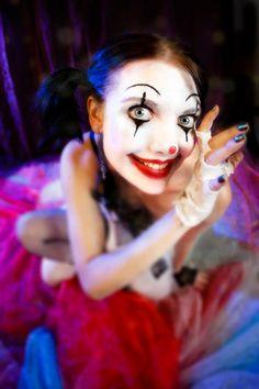 Female Clown Make-up Love Book Of Circus, Night Circus, Circus Room, Circus Circus, Mime Face Paint, Female Clown, Halloween 2014, Halloween Ideas, Send In The Clowns