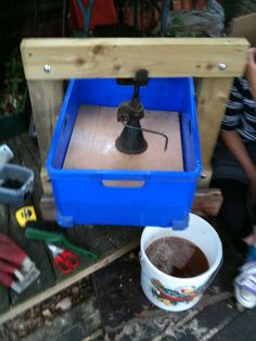 homemade cider press - when I saw the car jack I knew this was the one....