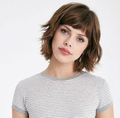 layered bob hairstyles These great short layered bob with bangs images here will guide for a new appereance and amazing experience. Lets take a look these chic short haircuts Layered Bob With Bangs, Layered Bob Short, Short Haircuts With Bangs, Layered Bob Hairstyles, Short Hair With Layers, Short Hair Cuts, Short Bangs, Pixie Hairstyles, Short Bob With Fringe