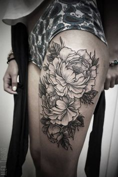Blackwork style flowers on the thigh. By Alex Tabuns.