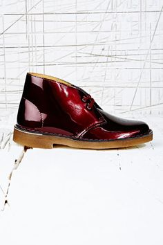 Clarks Originals Leather Desert Boots in Burgundy at Urban Outfitters