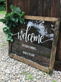 Welcome Wedding Sign, Acrylic Welcome Sign with Wood Frame, Clear Hand painted Wedding Sign Willkommensschild Acryl-Willkommensschild mit Holzrahmen The Wedding Date, Plan Your Wedding, Wedding Tips, Perfect Wedding, Diy Wedding, Wedding Events, Rustic Wedding, Destination Wedding, Wedding Planning