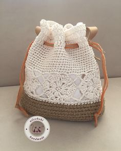 Marvelous Crochet A Shell Stitch Purse Bag Ideas. Wonderful Crochet A Shell Stitch Purse Bag Ideas. Crochet Pouch, Crochet Diy, Crochet Bags, Crochet Handbags, Crochet Purses, Drawstring Bag Diy, Lace Bag, Crochet Shoulder Bags, Crochet Shell Stitch