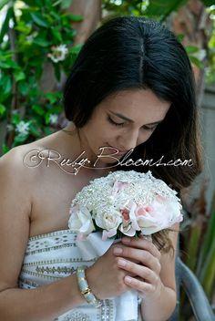 Pink Wedding Brooch Bouquet. Full Price   Natural par Rubybloomscom, $170.00