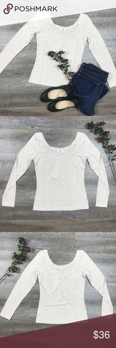 Long Sleeved Cotton T Shirt Adorable long sleeved, o-neck cotton t shirt! Perfect for fall! 90% cotton, 5% spandex, 5% acetate. C-16 Tops Tees - Long Sleeve