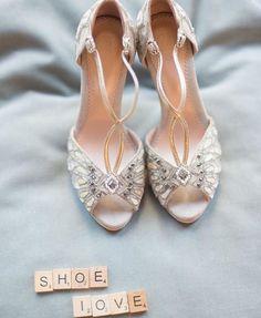 #WeddingShoe love for your #TuesdayShoesday via @kleinfeldbridal. We adore these vintage vibe @EmmyShoes peep toe heels photographed by Lorely Meza at @StudioEMP #Kleinfeld #EmmyShoes #BridalShoes #WeddingInspiration #ShoesdayTuesday #BlackBride #BlackBride1998