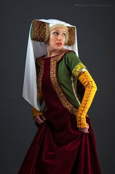 Medieval sleeveless surcoat Renaissance by HistoricalCostumes