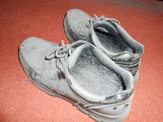 lizy-writes: SHOES - a story in a hundred words.