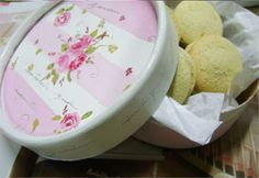 souvenir potes dulce leche - Buscar con Google Decoupage, Decorative Plates, Pudding, Tableware, Desserts, Google, Shabby, Boxes, Cartonnage