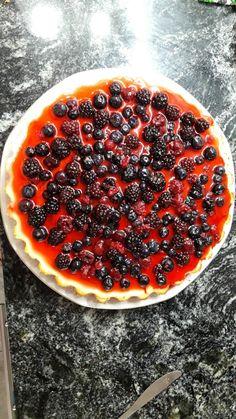 Cheesecake de frutos rojos #pink #cake #cheesecake #frutosrojos #cheese #strawberry #frutilla #arandanos