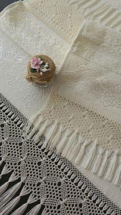 Lace Making, Rugs, Elsa, Handmade, Ideas, Shawl, Flamingo, Crocheting, Dots