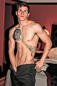 Cute Boy In Tats Jerking Off