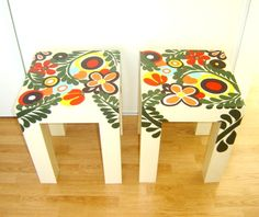 mesas pintadas divertidas - Buscar con Google Simple Furniture, Funky Furniture, Upcycled Furniture, Wood Furniture, Painted Stools, Wooden Stools, Funky Chairs, Ikea, Hand Painted Furniture