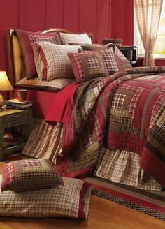 Tacoma King Quilt Bundle (Quilt, Skirt and 2 Luxury Shams)